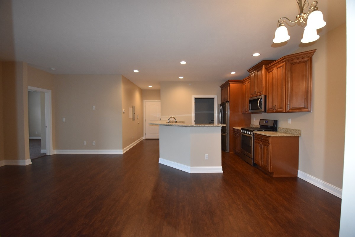 roman-estates-aliquippa-pa-dining-room-kitchen-view