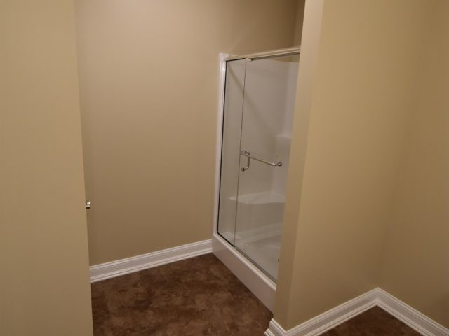 roman-estates-aliquippa-pa-master-bath-shower